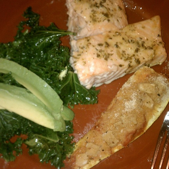 salmon, stuffed squash & steamed kale with avocado