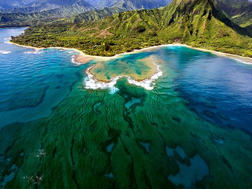 NatGeo: Tunnels Beach, Kaua'i, Hawai'i